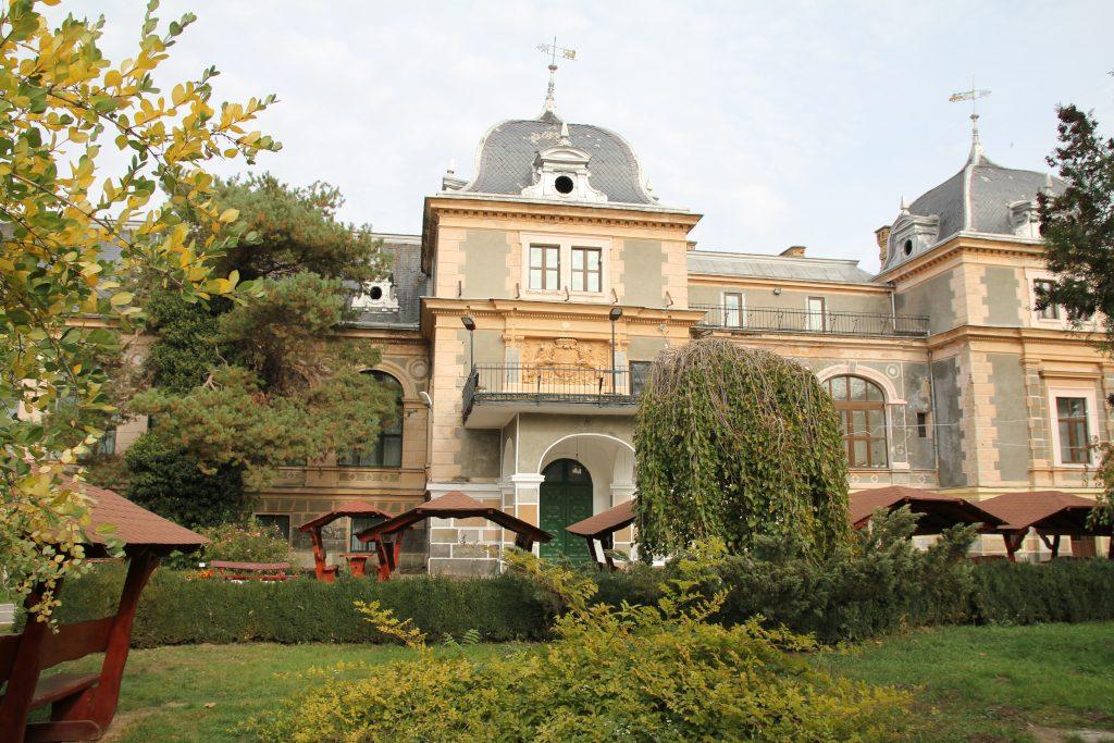 Parcul Dendrologic Macea. Castelul Csernovics